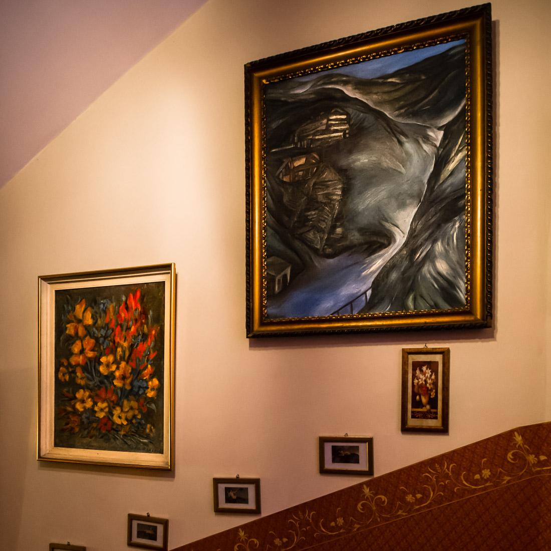 Galeria sztuki w klatce zamknieta 03