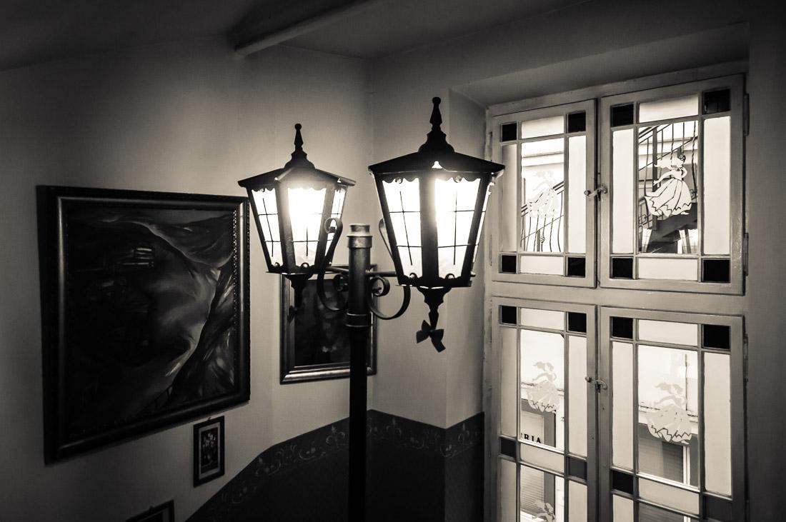 Galeria sztuki w klatce zamknieta 11